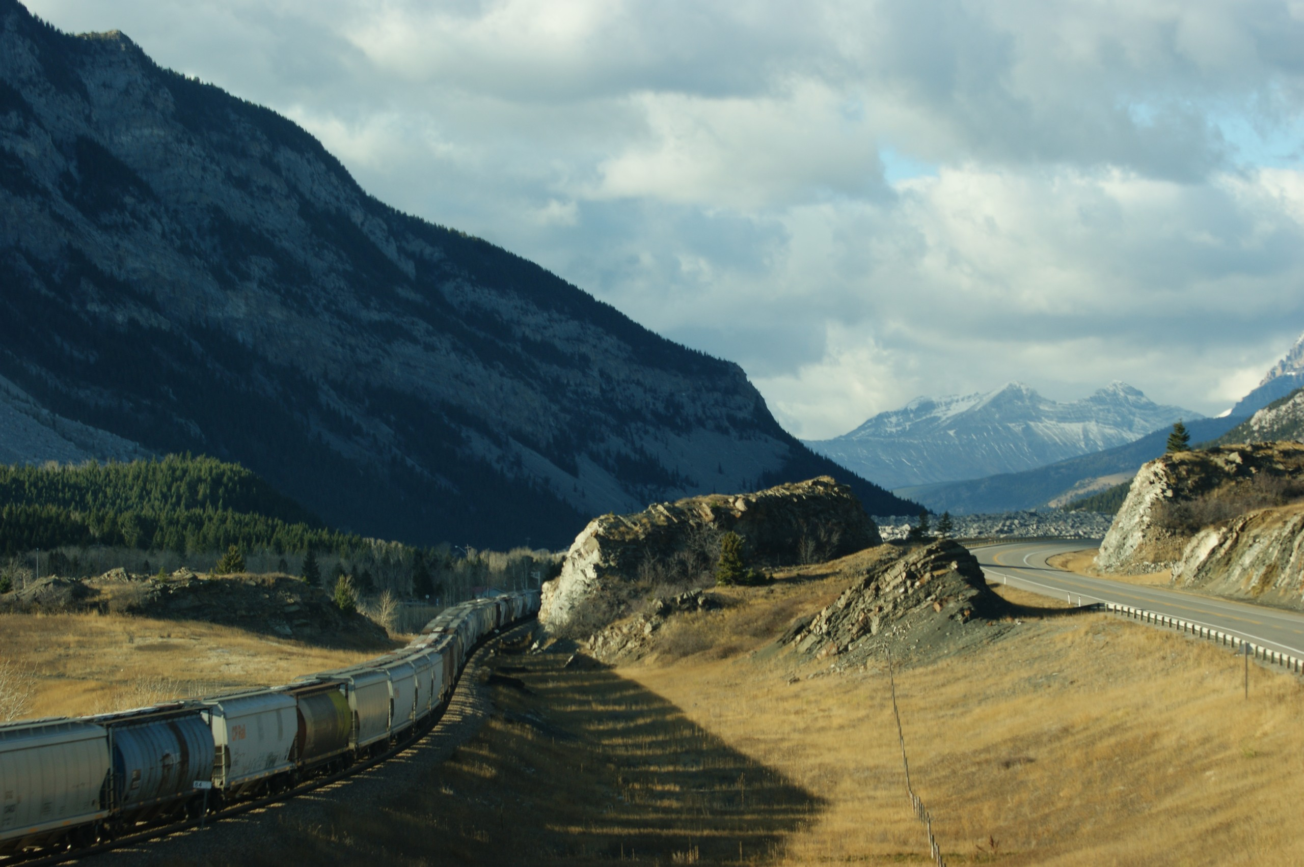 The Biggest Ball Of String: Frank Slide, Crowsnest Pass ...