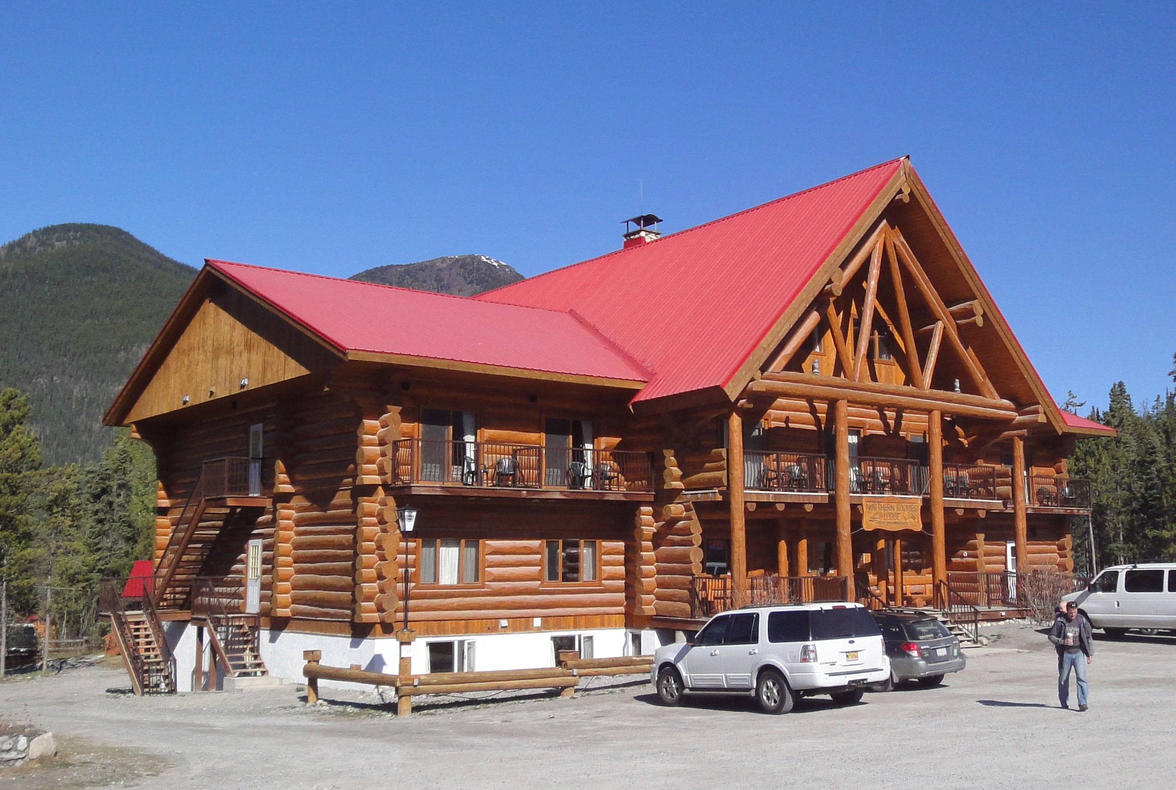 Rocky mountain lodge on muncho lake b c biggest ball for Rocky mountain lodges