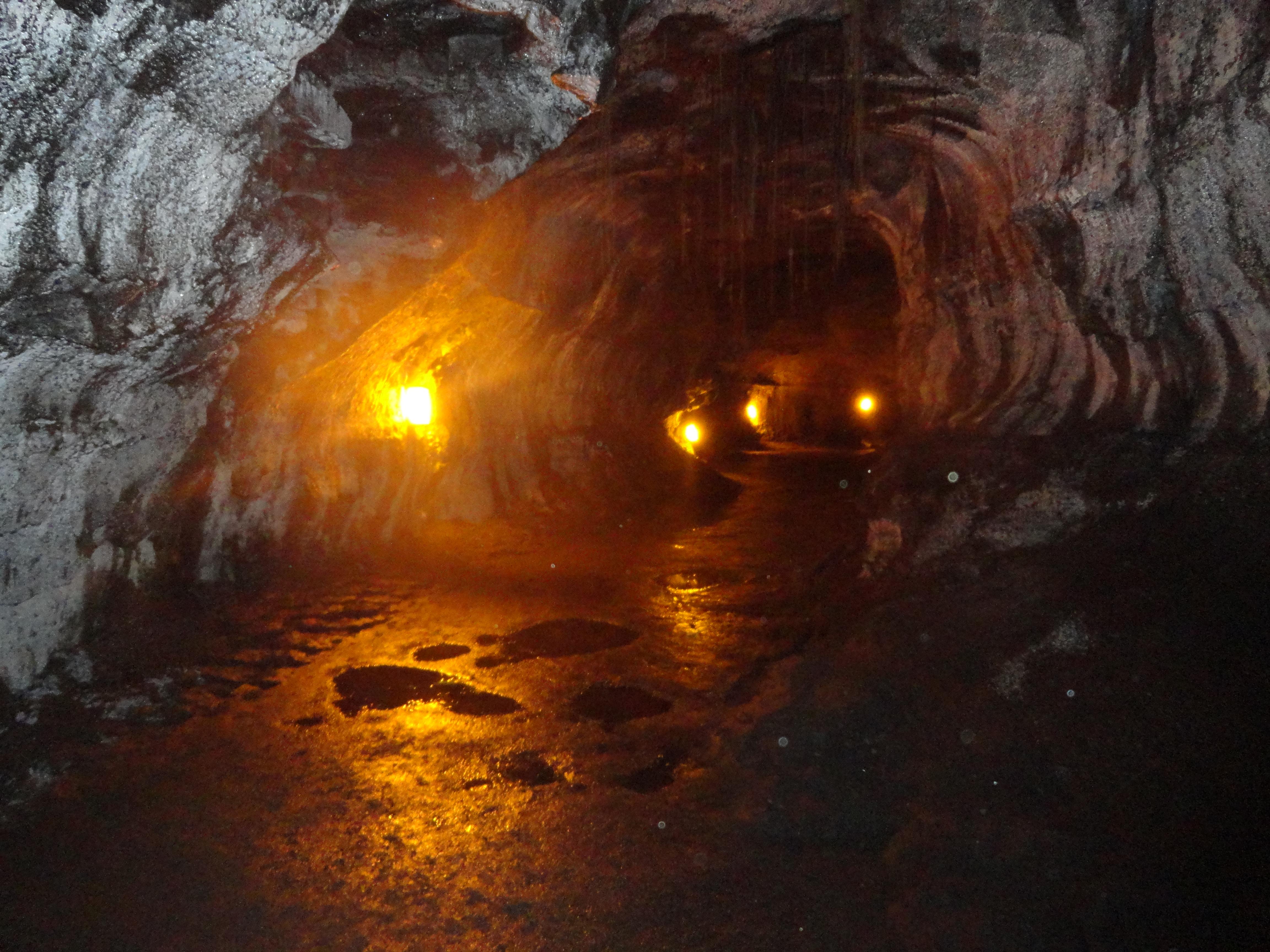 Thurston Lava Tube Biggest Ball Of String